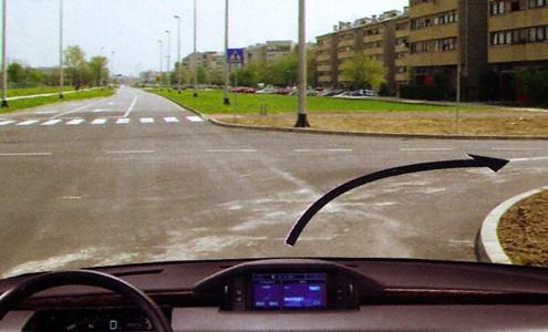 desno skretanje na raskrižju u prometu